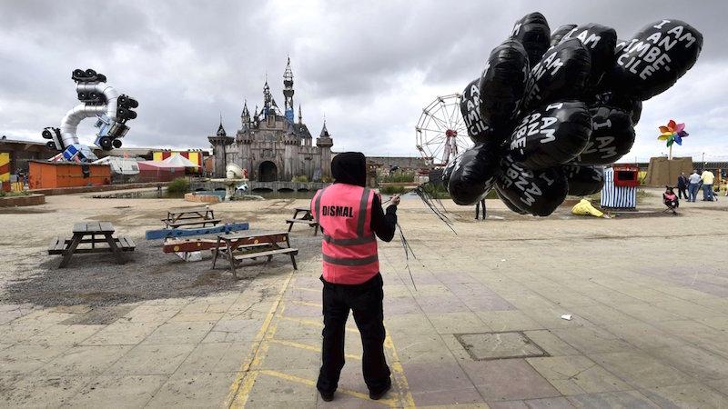 Dismaland, el parque de diversiones de Banksy