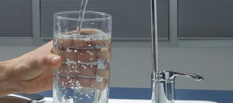 Litros de agua por día